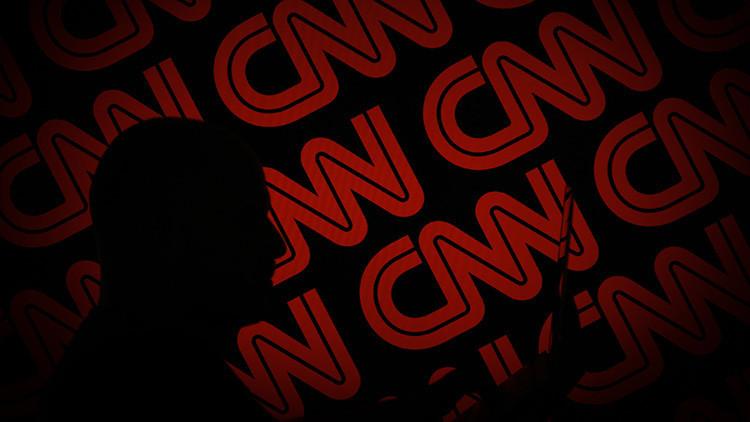 """""""Rezo para que otra noticia lo eclipse"""": Presentadora de CNN se confiesa fatigada por el tema ruso"""