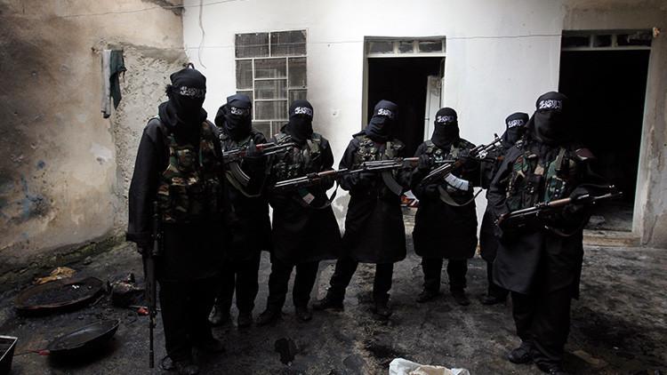'Tinder yihadista' y obsesión sexual: Las novias del EI revelan cómo es ser esposa en el 'califato'
