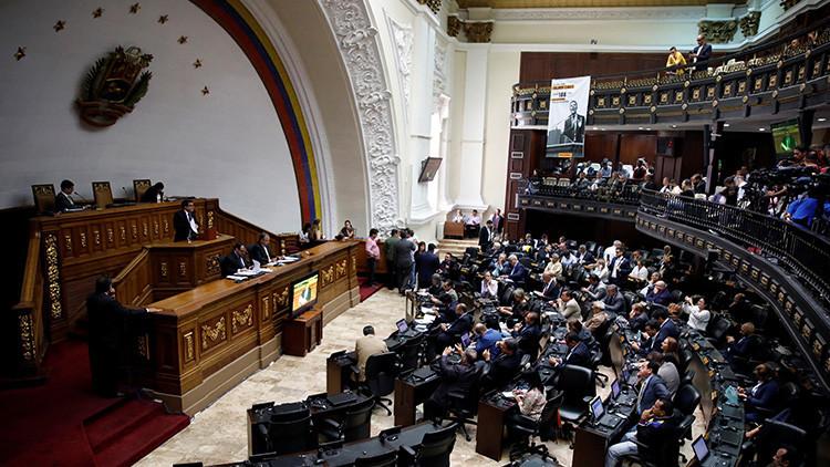 """¿Diálogo inminente? La rendija que puede evitar la """"guerra total"""" en Venezuela"""
