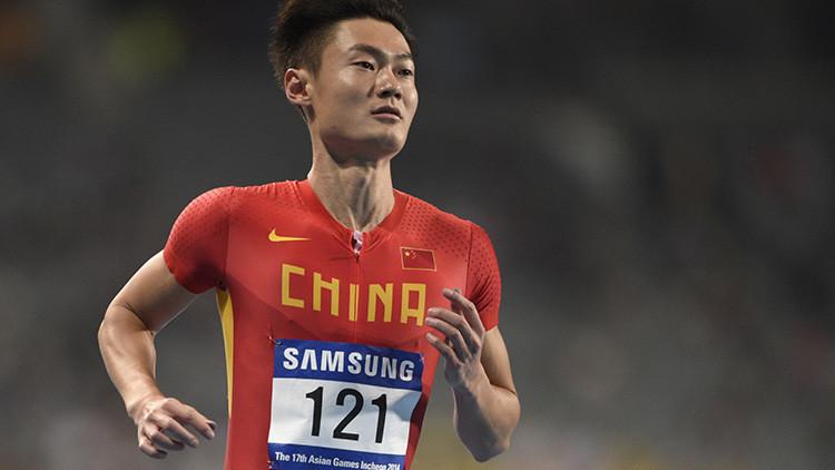 VIDEO: Un atleta chino derrota a un avión de combate en una carrera de 50 metros