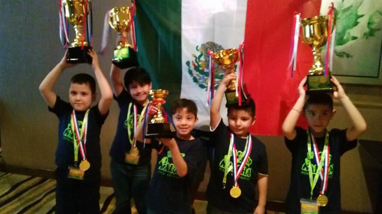 70 problemas en 5 minutos: Menores mexicanos ganan concurso internacional de matemáticas