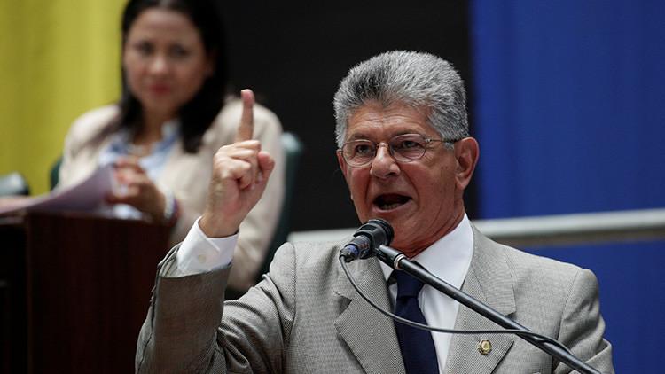 """Partidos de derecha presentan un pacto de """"gobernabilidad"""" en Venezuela"""
