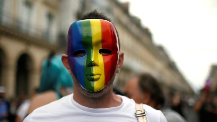 """""""Debes pagar por ser gay"""": Unos inmigrantes sirios golpean brutalmente a un compatriota en Suecia"""