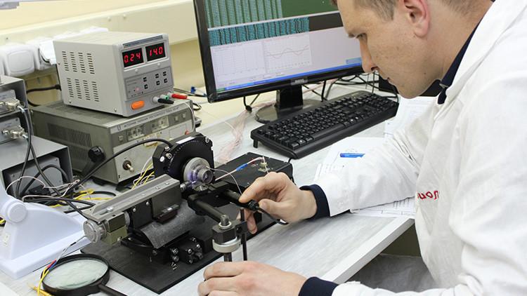 Rusia presenta el misil de crucero J-250 aire-tierra con guiado laser