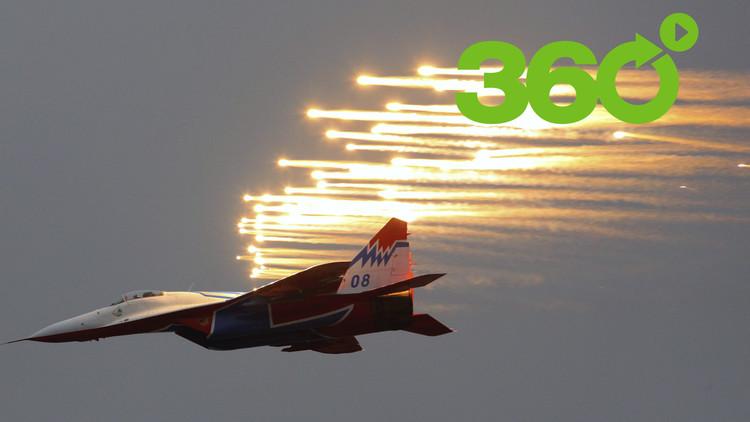 Disfrute de un espectacular vuelo acrobático en 360º a bordo de un MiG-29 en el MAKS 2017