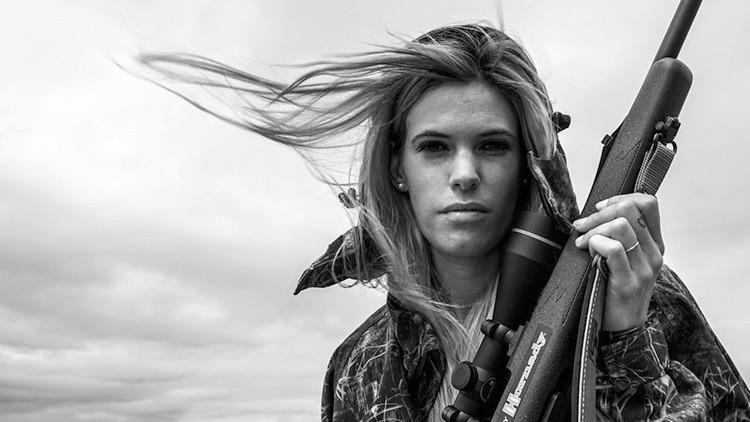 Hallan muerta a la cazadora española Melania Capitán, que despertaba las críticas de los animalistas