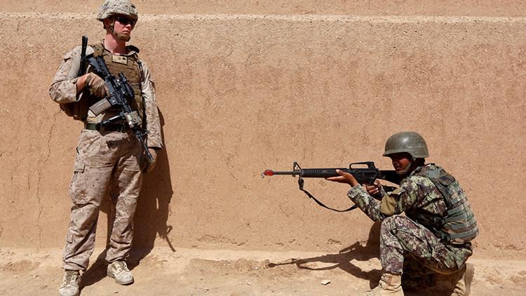 Al menos 16 soldados afganos mueren en un ataque por error de EE.UU.