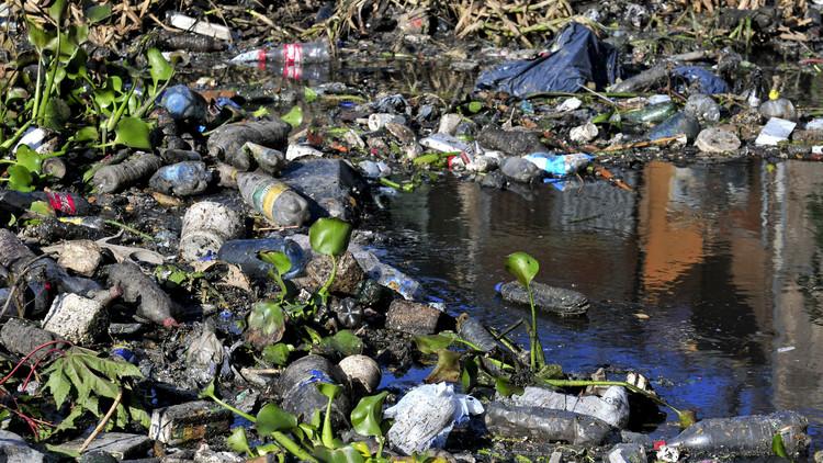 """""""Lo que menos tiene es agua"""": así está el río más contaminado de Argentina"""