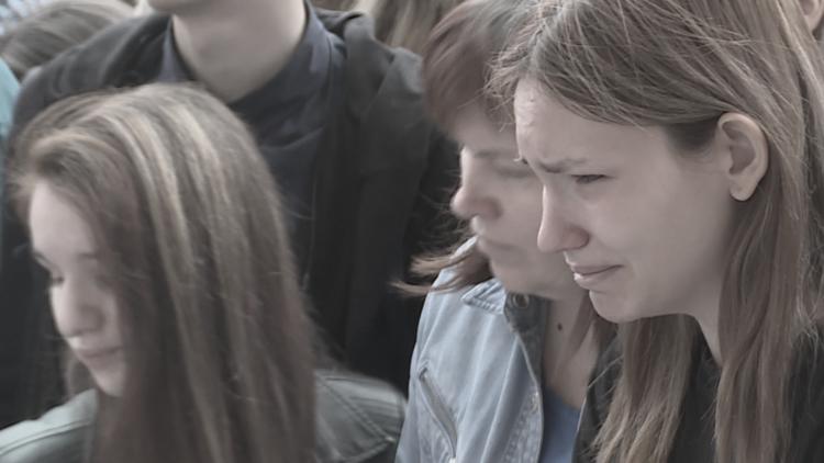 VIDEO: En Moscú entonan las canciones de Linkin Park y lloran la muerte de Chester Bennington