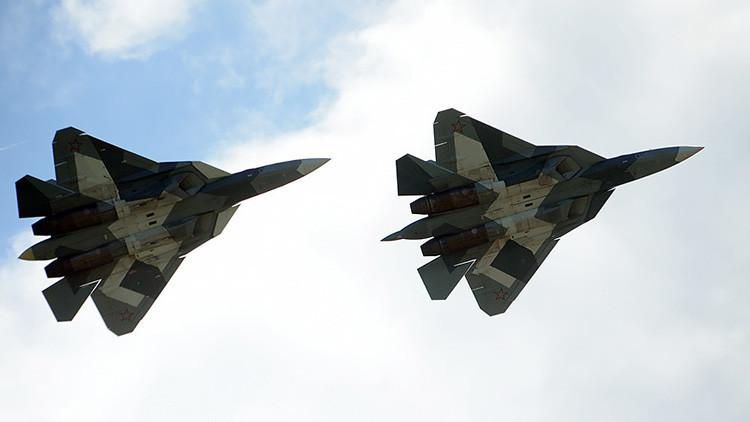 """El caza ruso T-50 PAK-FA demuestra que """"no existen límites físicos para los pilotos"""" (VIDEO)"""