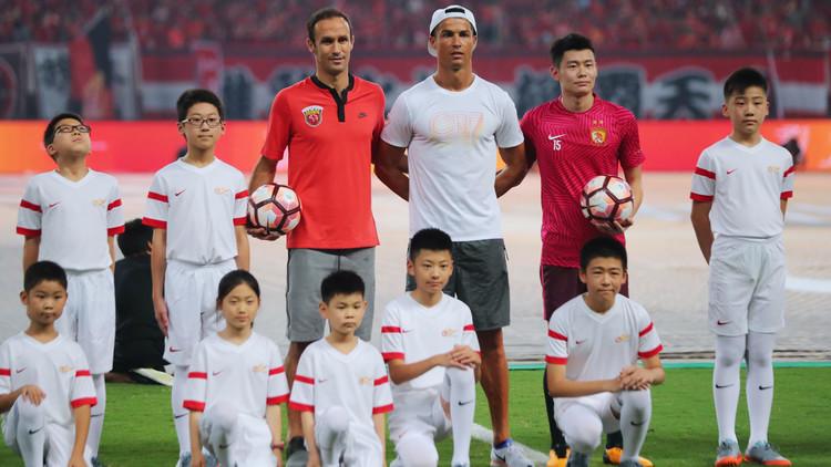 Video: Ronaldo desata la locura veraniega en Shanghái con estas declaraciones