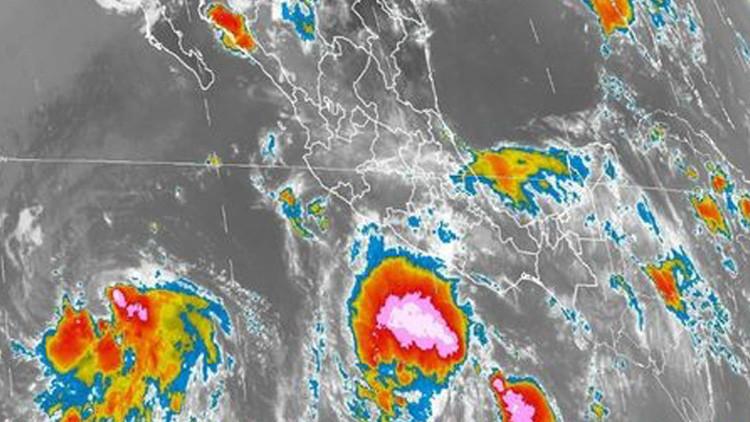 Hilary e Irwin: dos potenciales huracanes amenazan el Pacífico mexicano