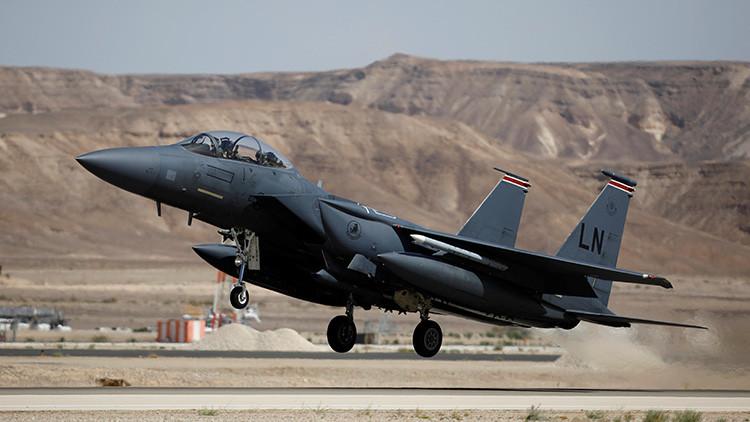 Por culpa de un teléfono: dos cazas de EE.UU. casi chocan con un avión cisterna británico