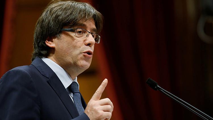"""Puigdemont: """"No renunciaremos al referéndum catalán aunque lo prohíba el Tribunal Constitucional"""""""