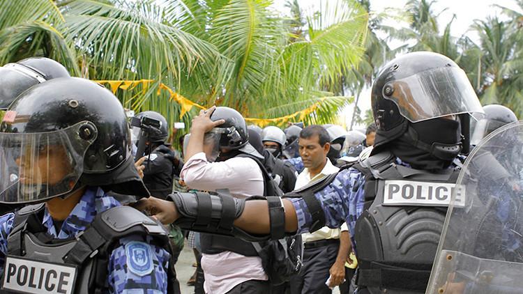 VIDEO: Militares asaltan el edificio del Parlamento de Maldivas