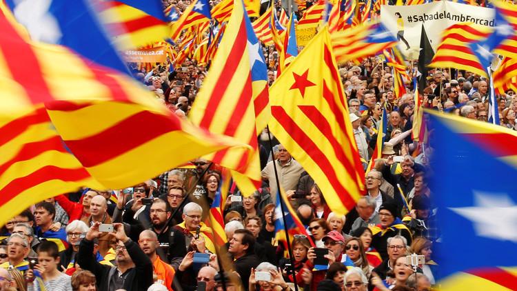 """""""Un proceso descarrilado"""": escritores y artistas catalanes contra el referéndum"""