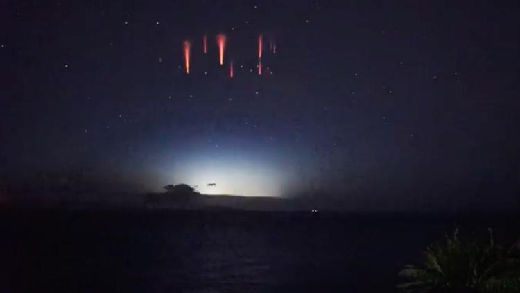 ¿Qué son esas chispas rojas?: Un raro fenómeno espacial deja boquiabierto a un astrónomo (VIDEO)