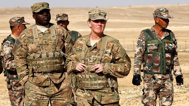 VIDEO: Difunden imágenes de militares jordanos disparando a soldados de EE.UU. con las manos en alto