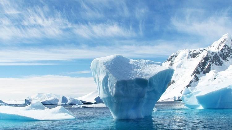 FOTOS: El colosal iceberg que se desprendió de la Antártida ya se está rompiendo