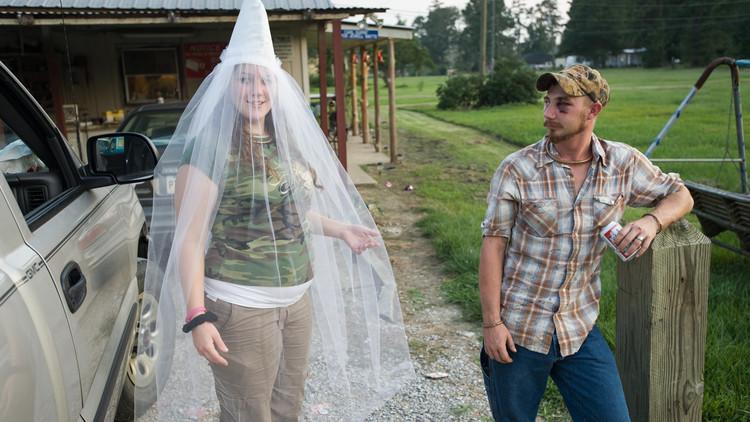 FOTOS: La vida de los miembros del Ku Klux Klan, detrás de la capucha