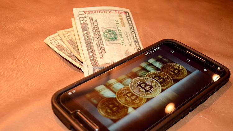¿Aún aspira a hacerse rico con los bitcoines? Los expertos 'hacen apuestas' sobre las criptomonedas