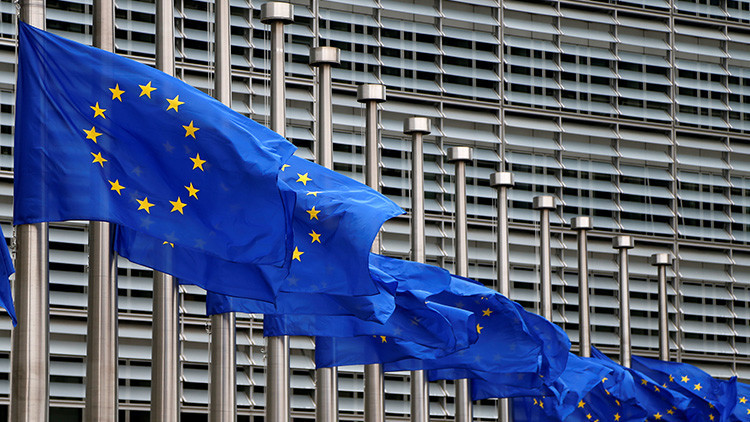 """""""EE.UU. primero, pero Europa no es lo último"""": La UE responderá si EE.UU. amplía sanciones a Rusia"""