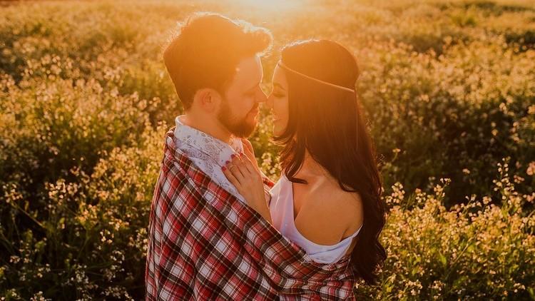 Un estudio revela la cualidad masculina que las mujeres encuentran más atractiva que el físico