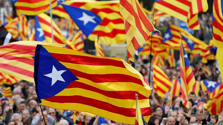 Imputado el director de comunicación del Gobierno catalán por la web del referéndum