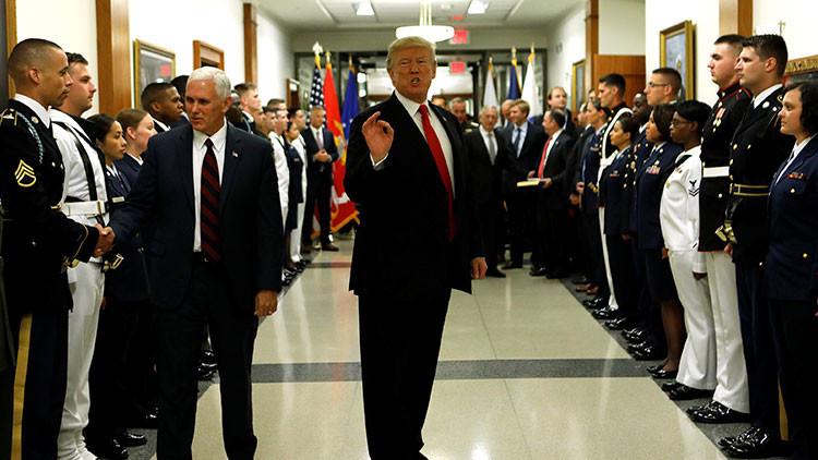 """El Pentágono se niega a vetar a los transgéneros en el Ejército """"hasta que Trump lo ordene"""""""
