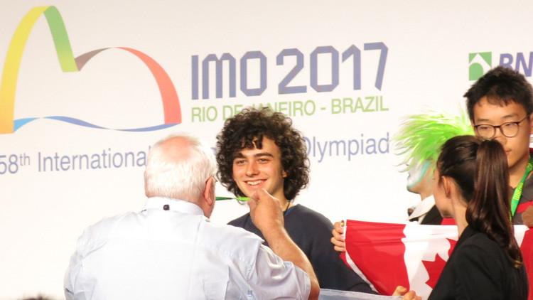 """""""Al principio no me iba tan bien"""": Un argentino triunfa en la Olimpiada Internacional de Matemática"""
