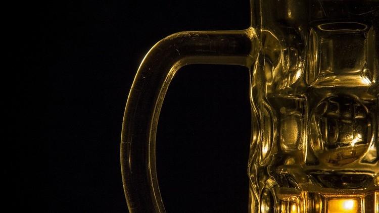 ¿Beber para olvidar?: Ojo, científicos aseguran que el alcohol mejora la memoria