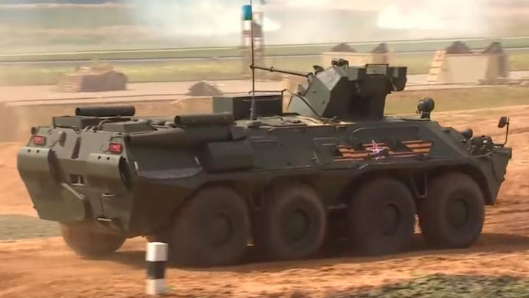 Tanques, caballos y paracaidistas: Preparativos del Día de las Tropas Aerotransportadas (Video)
