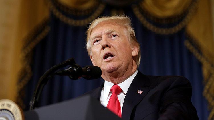 Trump ante el rompecabezas ruso: ¿Cómo saldrá del callejón donde lo ha metido el Congreso de EE.UU.?
