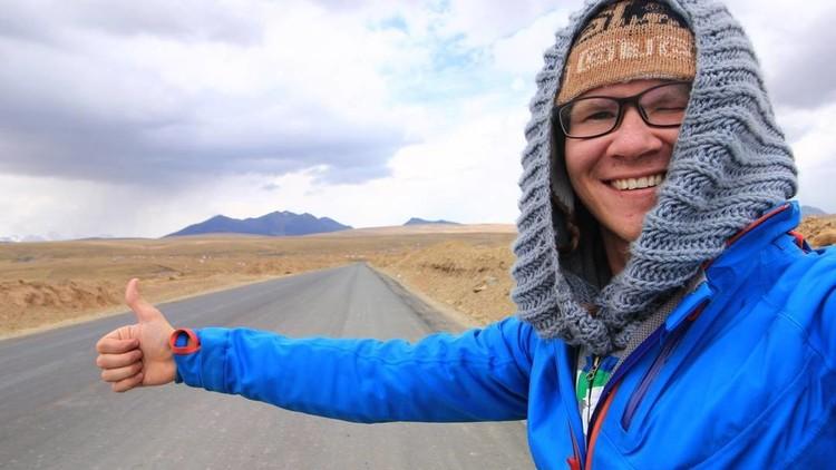 Un 'ruso loco' desafía a América Latina viajando sin pagar dinero