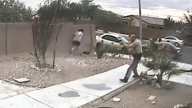 FUERTES IMÁGENES: La Policía de EE.UU. dispara 26 veces a un sospechoso tras una persecución (18+)