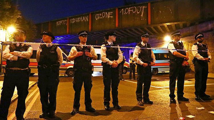Londres: Se torna violenta una protesta por la muerte de un joven de origen africano (VIDEO)