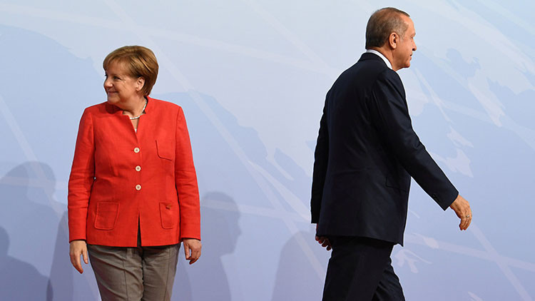 """¿Qué pueden perder?: Alemania y Turquía, en el """"punto de ruptura"""" de su relaciones"""