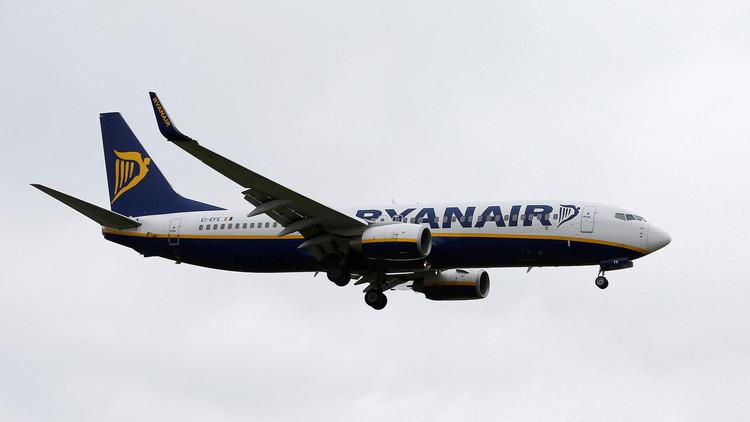 """VIDEO: Expulsan a pasajeras británicas de un vuelo a Alicante que """"gritaban como animales"""""""