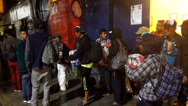 México: Rescatan de un camión abandonado a 178 migrantes centroamericanos