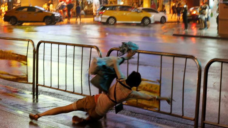 FOTOS: Un feroz tifón deja 250.000 hogares sin electricidad en Taiwán