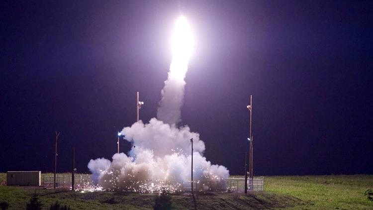 """EE.UU. prueba """"con éxito"""" su THAAD interceptando un misil sobre el Océano Pacífico"""