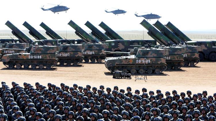 China presenta nuevas unidades bélicas en un imponente desfile militar (VIDEO)