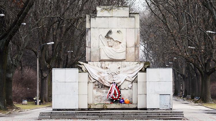 Rusia promete una respuesta asimétrica a la ley polaca contra los monumentos soviéticos