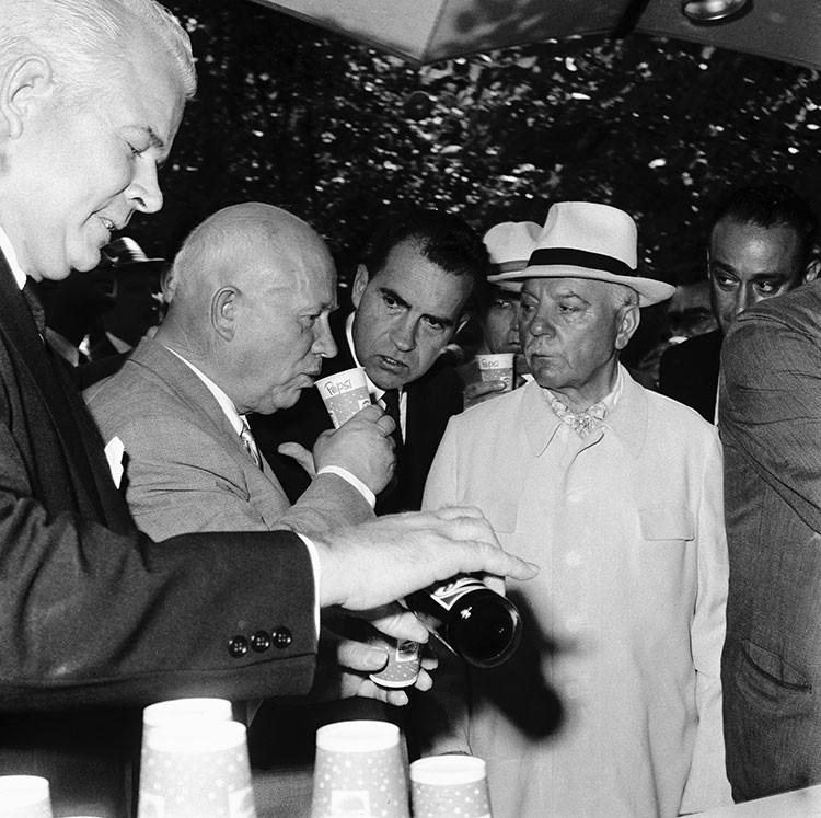 Cuando la URSS vendió a Pepsi una flota de combate