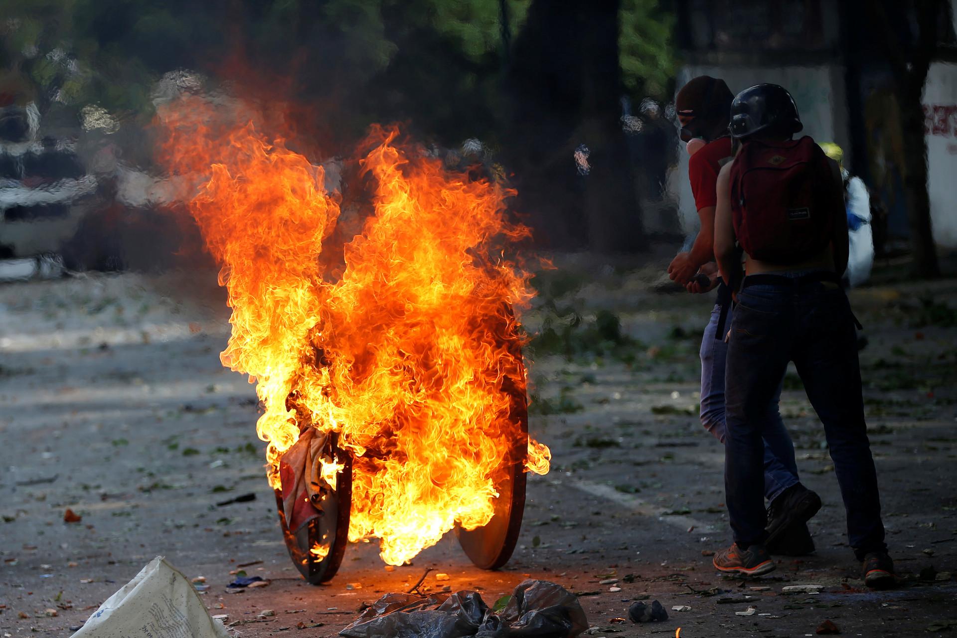 Presidente Maduro propone instalar mesa de entendimiento y paz