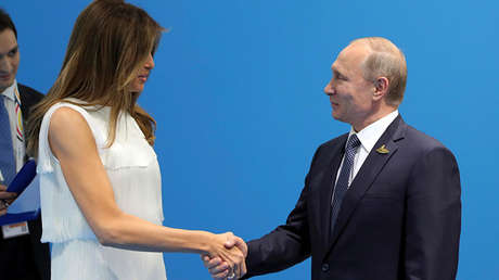 La primera dama de EE.UU., Melania Trump, y el presidente de Rusia, Vladímir Putin.