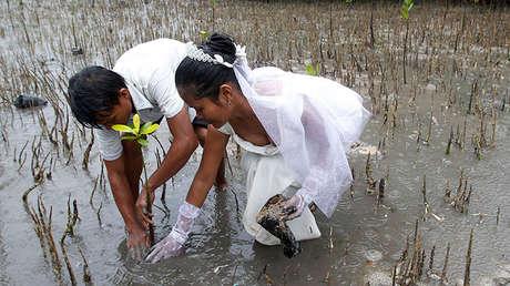 Una pareja de recién casados en Filipinas, el 14 de febrero de 2011.