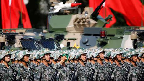Soldados del Ejército Popular de Liberación en Hong Kong durante la celebración del 20 aniversario de la entrega de la ciudad a China, el 30 de junio de 2017.