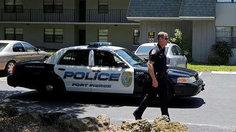 Un policía en Fort Pierce, Florida, EE.UU., el 12 de junio de 2016.