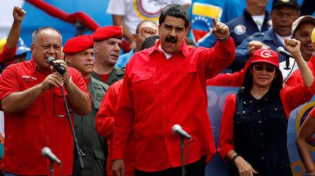 El presidente de Venezuela, Nicolás Maduro, su esposa Cilia Flores y Diosdado Cabello, diputado del Partido Socialista Unido de Venezuela, durante la clausura de las próximas elecciones de la Asamblea Constituyente en Caracas. 27 de julio de 2017.